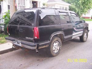 1995 Chevrolet Tahoe LS Full Sized SUV, 1500 Series Cornwall Ontario image 2