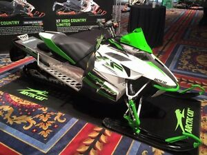 2015 Arctic Cat XF6000 Sno-Pro ES 137 - BLOWOUT-Priced to Clear!