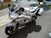 Triumph Sprint ST 955i Silver with Triumph panniers and Datatool Alarm in excellent condition