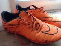 Nike Rugby Boots Size UK 6 RRP £70
