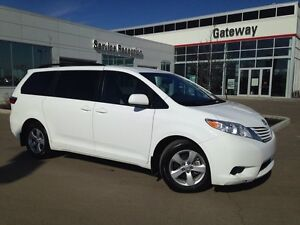 2016 Toyota Sienna LE 8 Passenger, Backup Cam, Heated Seats, Blu