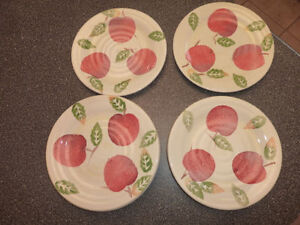 Kitchen items lot (plates, tumbrels, bowls, mugs, knives, etc..) Kitchener / Waterloo Kitchener Area image 2