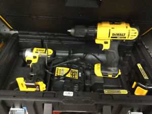 DEWALT QUICK DRIVE FLOORING SCREW DRIVER LIKE NEW We are located