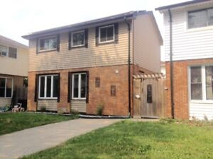 3 BDRM 1.5 BATH HOUSE W/FINISHED BSMT IN EAST WINDSOR - $1450+++