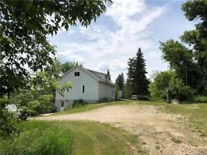 4 BR home overlooking the river in picturesque Birtle MB