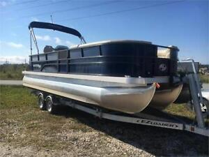 DEALER DEMO! 15.8 hours! 2018 MONTEGO 8524 DELUXE TRITOON!