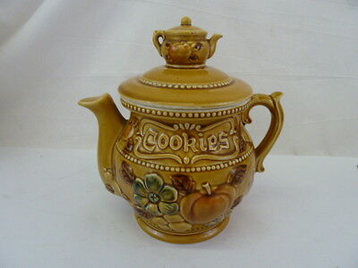 VINTAGE TEAPOT SHAPED YELLOW COOKIE JAR W/SMALL TEAPOT ON LID JAPAN