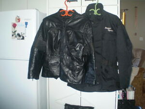 Vêtements de moto.