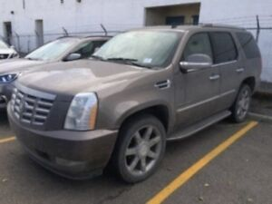 2012 Cadillac Escalade Luxury | AWD | Sunroof | Leather