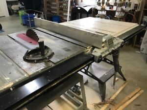 "1.5 HP Delta 10"" Contractor Table Saw with Unifence System"