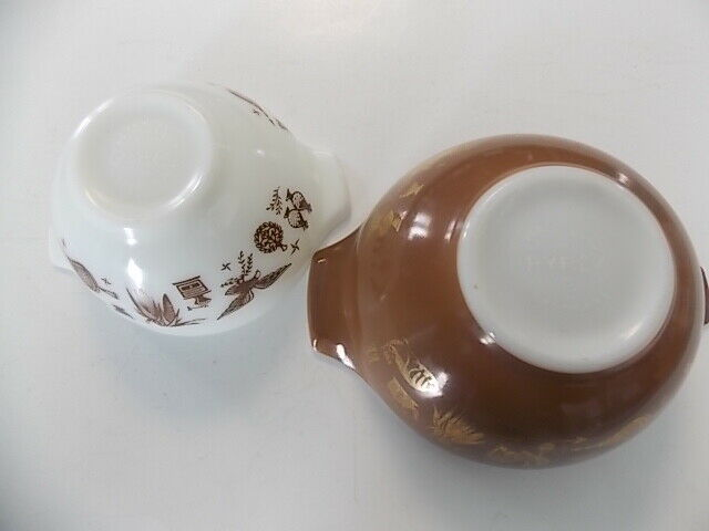 2 Vintage Pyrex Early American Cinderella Mixing Bowls 441 442 Small Brown White - $30.00