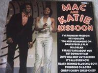 Vinyl LP Mac And Katie – Kissoon Hallmark SHM 877