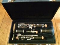 Armstrong clarinet outfit with all accessories -as new condition