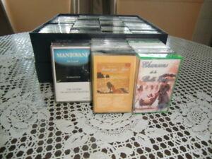 Lot de 81 cassettes audio datant des années '80's
