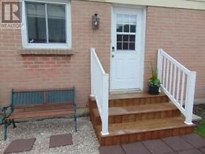 Beautiful semi-detached 3 bedroom house for rent