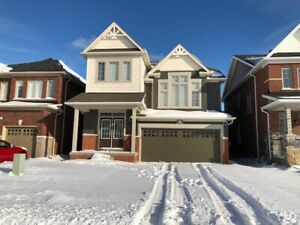 Stunning 4 Bdrm detached in NOTL St Davids! Available Oct 1st!