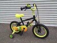 Boys Apollo Bike in very good condition with stabilisers