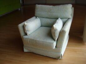 Armchair & Ottoman/footstool - 2 piece set of furniture