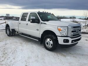 2015 Ford F-350 LARIAT PLATINUM DUALLY w/LOW KMs!!!
