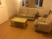 Modern 3 bed flat in sought after location of East Finchley