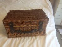 WICKER HAMPER PICNIC BASKET