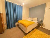 *D* Double Bedroom In Stratford