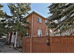 Freehold Townhouse in Waterdown