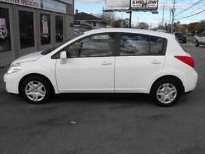 2012 NISSAN VERSA HATCH  LOADED  79 KMS  A MUST SEE CAR  !!