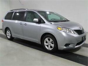 2015 Toyota Sienna 7 PASSENGER-BACK UP CAMERA-ONLY 60KM