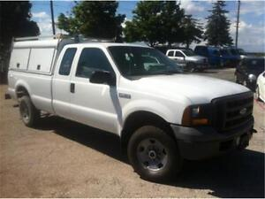 2005 Ford F250 XL Super Duty, 4 doors, 8 foot box, tow package!!