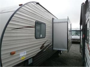 2017 FOREST RIVER GREY WOLF LIMITED 23DBH! BUNKS, SLIDE! $23995! London Ontario image 2