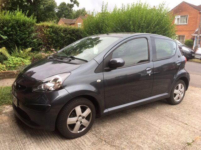 toyota aygo automatic dark grey long mot in eastleigh hampshire gumtree. Black Bedroom Furniture Sets. Home Design Ideas