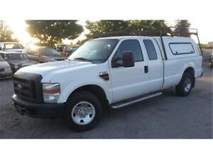 2009 Ford F-250 XL Super Duty, 8 Foot Box, 4 doors, Tow Package!