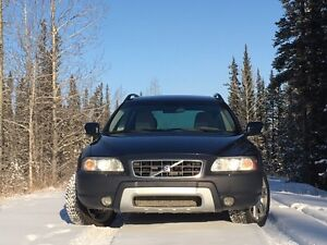 2007 Volvo XC70 AWD Wagon - Sunroof - A/C - Leather - Options+++