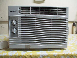 air conditioner / climatiseur 5000 BTU