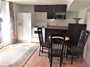 4 1/2 Rented Weekly- ALL INCLUDED: Wi-Fi/Hydro/BBQ/Reservation's