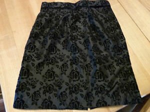 Size 8 Woman's Skirt Black with Embossed Flowers Kingston Kingston Area image 2