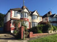 DSS WELCOME WITH A GUARANTOR - 4 BEDROOM HOUSE - SEMI DETACHED - HOLLICKWOOD AVENUE - FRIERN BARNET