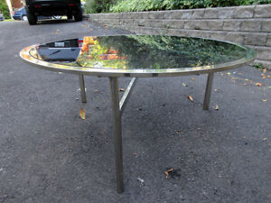 1970's VINTAGE HOLLYWOOD-REGENCY ROUND STEEL GLASS COFFEE TABLE