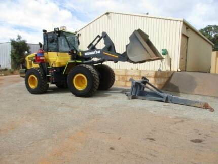 Komatsu Loader WA250PZ-6, Quick Hitch 2010 model