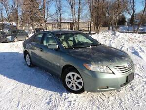 2009 Toyota Camry LE 4 cyl leather local car