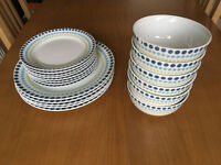 Matching Dinner Plates, Side Plates & Bowls