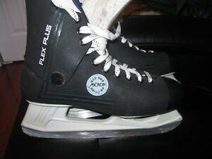 Micron Moulded Skates -- Mint Condition!