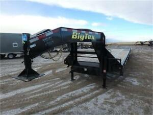 8.5 X 35 GOOSENECK W/*MEGA RAMPS* -*-SPARE TIRE INCL-*- KING PIN