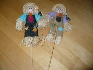 2 Scarecrow Fall Decorations