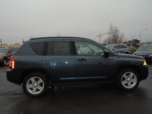 2007 Jeep Compass SPORT 4X4-SUNROOF-HEATED SEATS--REMOTE STARTER Edmonton Edmonton Area image 4