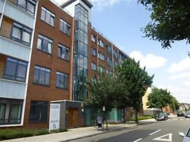 STUNNING VIEWS, BRIGHT, EXECUTIVE, 2 BEDROOM, 2 BATHROOM, FLAT, PRIVATE PARKING-ACTON/CHISWICK