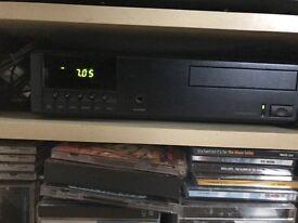 LINN CLASSIK- Independent CD/Tuner/Control/Power Amplifier & 2x Loudspeakers