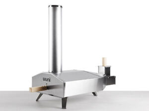 Uuni 3 outdoor wood fired portable pizza oven