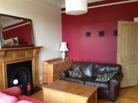 Bright Double Bedroom in Morningside